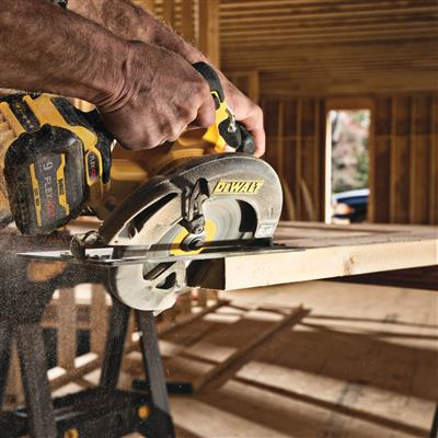 DEWALT DCS578X1 FLEXVOLT 60-Volt MAX 7-1/4 in. Brushless Circular Saw Kit